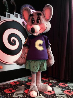 Chuck E. Cheese Studio C/Star Stage/Circle of Light 32 Movement Bot (1998-Present)