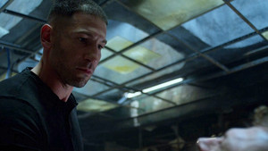 Jon Bernthal as Frank schloss in The Punisher