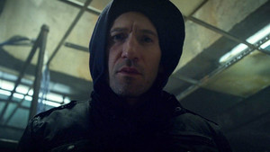 Jon Bernthal as Frank kasteel in The Punisher