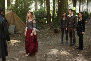 "Once Upon a Time ""Pretty in Blue"" (7x08) promotional picture"