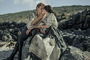 "Outlander ""Uncharted"" (3x11) promotional picture"
