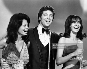 Tom Jones With Marilyn McCoo And Florence LaRue
