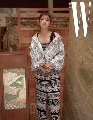 PARK SHIN HYE LOOKS LOVELY IN JANUARY 2018 W MAGAZINE