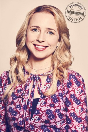 Roseanne Cast's Entertainment Weekly Portraits - Alicia Goranson as Becky Conner