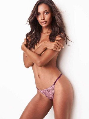 Victoria's Secret 2018 Catologue: jasmin Tookes