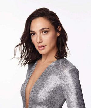 Gal Gadot for Revlon 'Live Boldly' [2018 Campaign]