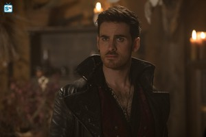 "Hook in 7x11 - ""Secret Garden"""
