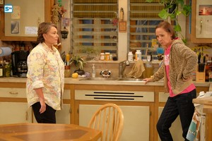 10x01 - Twenty Years to Life - Roseanne and Jackie