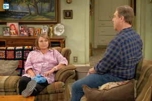 10x02 - Dress to Impress - Roseanne and Dan