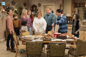10x09 - Knee Deep - Jackie, Mark, Mary, Becky, Harris, Roseanne, Dan, DJ and Darlene