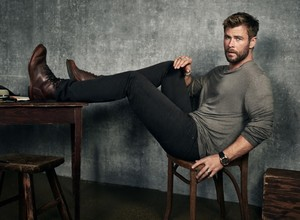 Chris Hemsworth - Men's Journal Photoshoot - 2017