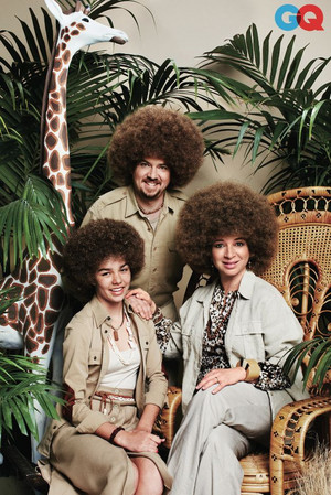 Danny McBride and Maya Rudolph - Awkward Family fotos for GQ - 2013