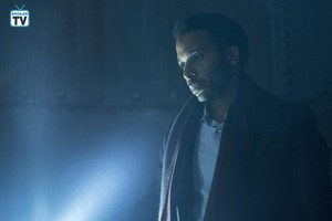 "गढ़, महल Rock ""Romans"" (1x10) promotional picture"