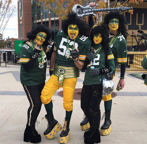 Packers Fans...Game दिन Lambeau Field