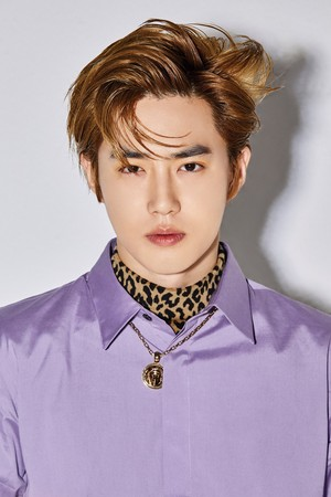 "SUHO  ""LOVE SHOT"""