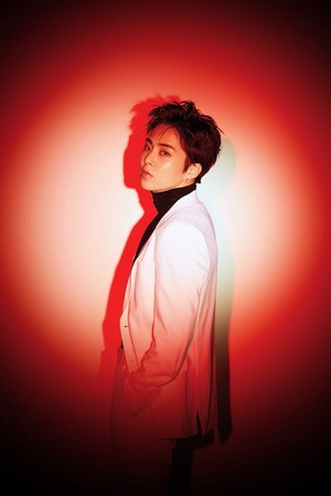 "Xiumin ""LOVE SHOT"""