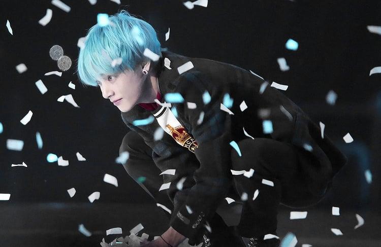 Taehyung V blue haired v bts 42020901 750 487