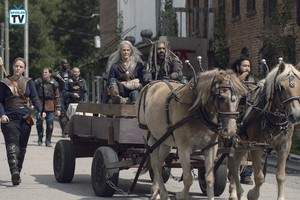 9x11 ~ Bounty ~ Carol, Ezekiel, Dianne and Jerry