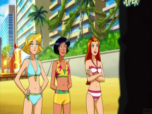 Sam, Clover e Alex in bikini