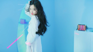 Sulli for Estée Lauder
