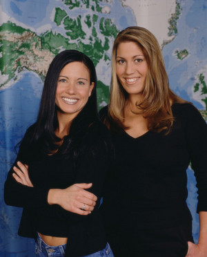 Kim Smith and Leslie Kellner (The Amazing Race 1)
