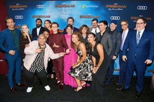 The cast of Spider-Man: Far From 집 at the world premiere in Hollywood, CA (June 26, 2019)