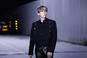 'UN Village' MV Behind Photos