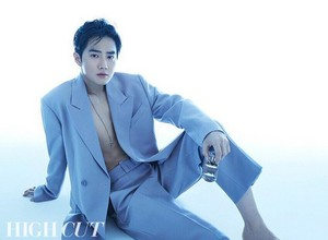 SUHO for HIGHCUT magazine Vol.246