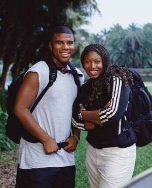 Tramel and Talicia Raggs (The Amazing Race 3)