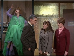 Agnes Moorehead, Dick York, Julie Gregg, and Heather Woodruff