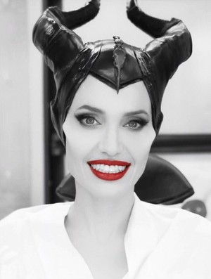 Angelina Jolie transforms into Maleficent