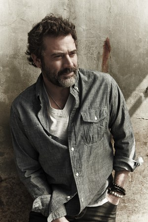 Jeffrey Dean morgan - Flaunt Photoshoot - 2010