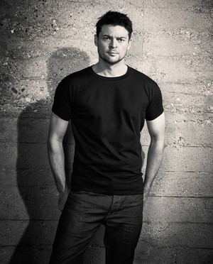 Karl Urban - Men's Health UK Photoshoot - 2012
