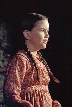 Laura Ingalls (Melissa Gilbert) Red print prairie dress -Costume da Richalene Kelsay