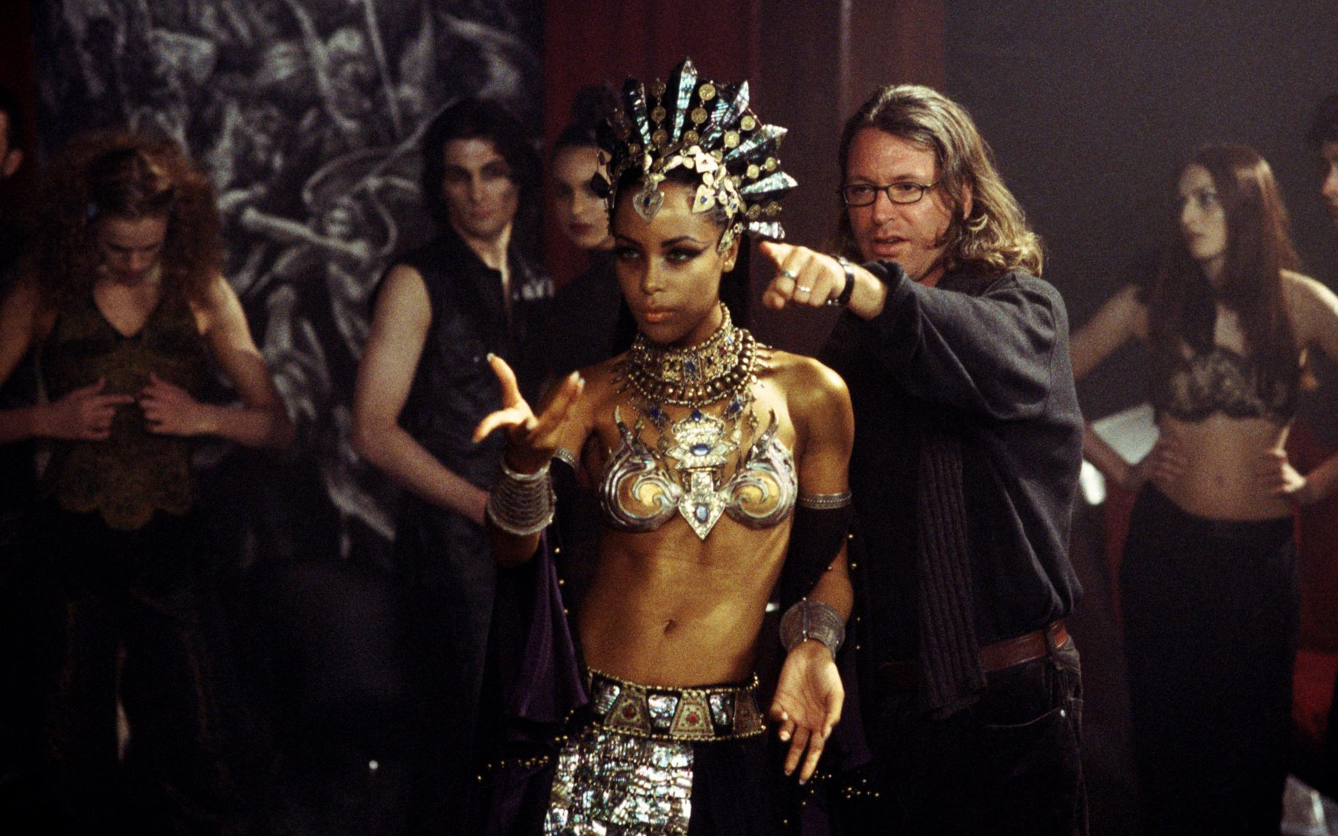 Queen Of The Damned Akasha Queen Of The Damned Wallpaper