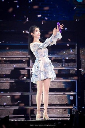 [OFFICIAL PHOTO] ‪2019 IU Tour Concert‬ <Love, poem> in Taipei ‬