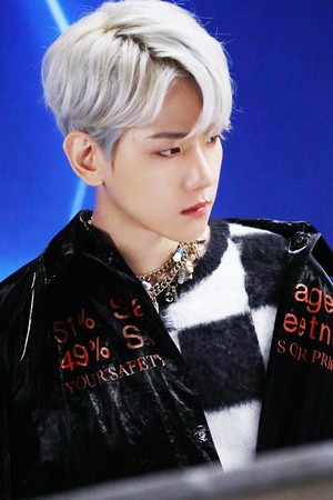 'Obsession' MV Behind चित्र 📸 BAEKHYUN
