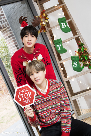 BTS Christmas photoshoot سے طرف کی Naver x Dispatch