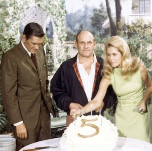Bewitched season 5 -- with Dick York , William Asher , and Liz