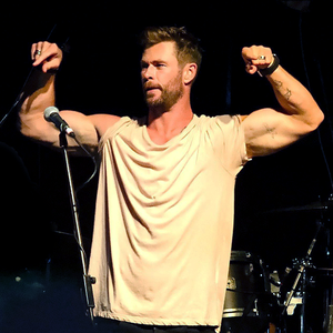 "Chris Hemsworth at the ""Make It Rain"" Fundraiser in Byron baai, bay (January 9, 2020)"