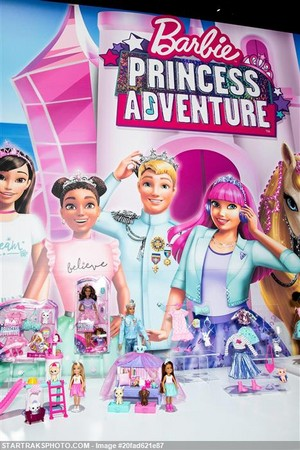 Barbie Princess Adventure anak patung