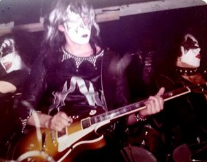 চুম্বন ~Asbury Park, New Jersey...March 29, 1974 (KISS Tour)