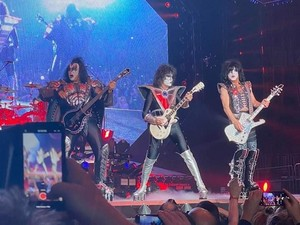 KISS ~Manchester, New Hampshire...February 1, 2020 (End of the Road Tour)