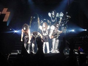 KISS ~Yokohama, Japan...March 9, 2001 (Farewell Tour)
