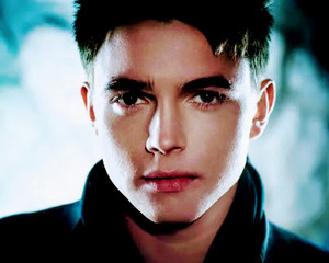 Jesse McCartney Bleeding amor