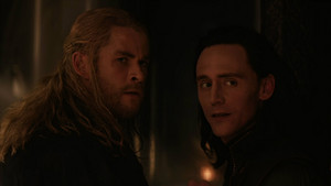 Thor and Loki -Escape from Asgard (Thor: the Dark World - 2013)