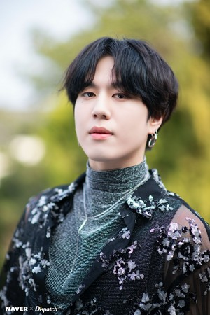 "Yugyeom ""DYE"" mini album promotion photoshoot door Naver x Dispatch"