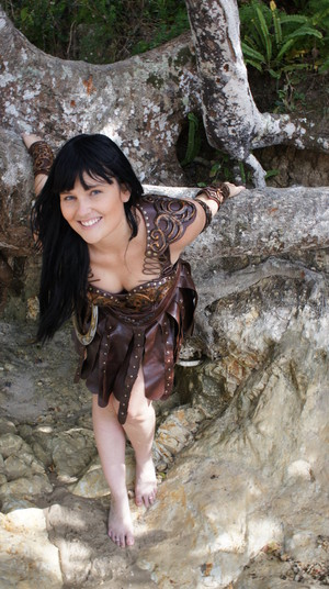 Hot And Sexy Barefoot Xena Warrior Princess Costume Cosplay por thewarriorprincess - December 2011