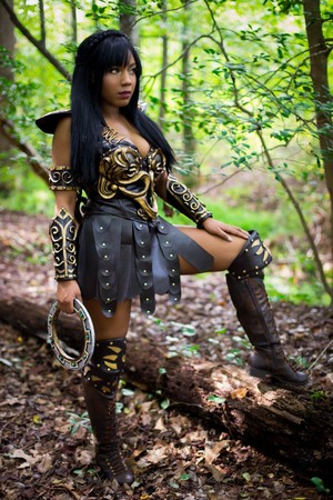 Hot And Sexy Xena Cosplay sa pamamagitan ng Sami Bess - in Honor of the Show's 23rd Anniversary in 2018