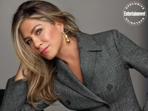 Jennifer Aniston for Entertainment Weekly [October 2019]